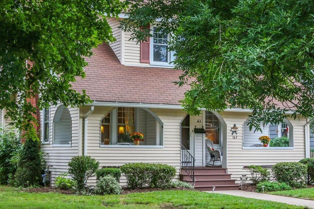 163 Greenacre Ave, Longmeadow, MA 01106