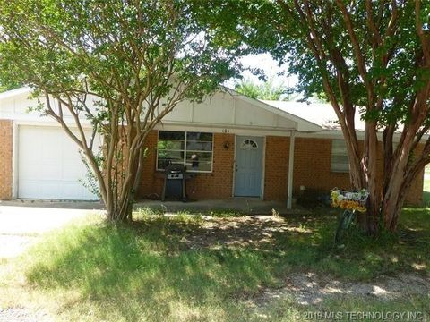 Photo of 101 Mulberry St, Stringtown, OK 74569