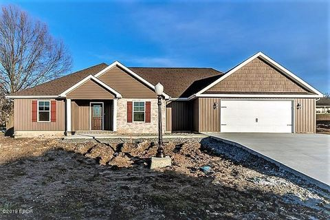 Photo of 1801 Eagle Dr, Marion, IL 62959