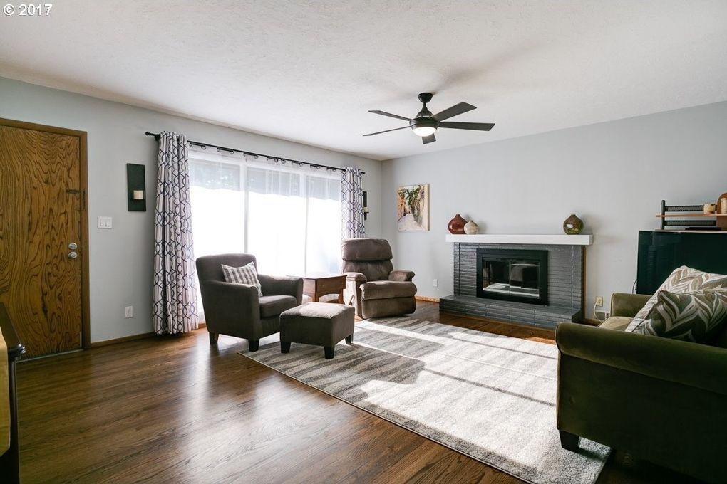 16724 Roosevelt Ave, Lake Oswego, OR 97035