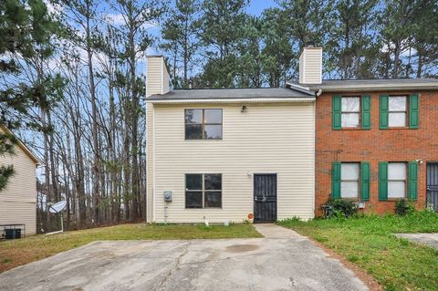 Photo of 939 Silverwood Dr, College Park, GA 30349