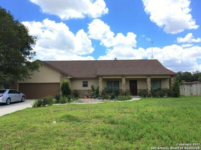 1614 Hickory Bnd, Pleasanton, TX 78064 - realtor.com®