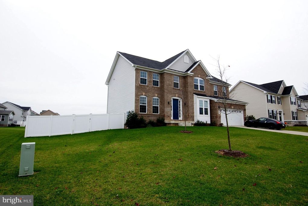 238 Bridgewater Dr, Stephens City, VA 22655