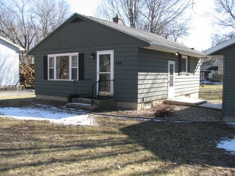 413 Sw 9th St, Independence, IA 50644
