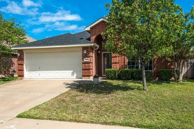8817 San Joaquin Trl Fort Worth, TX 76118