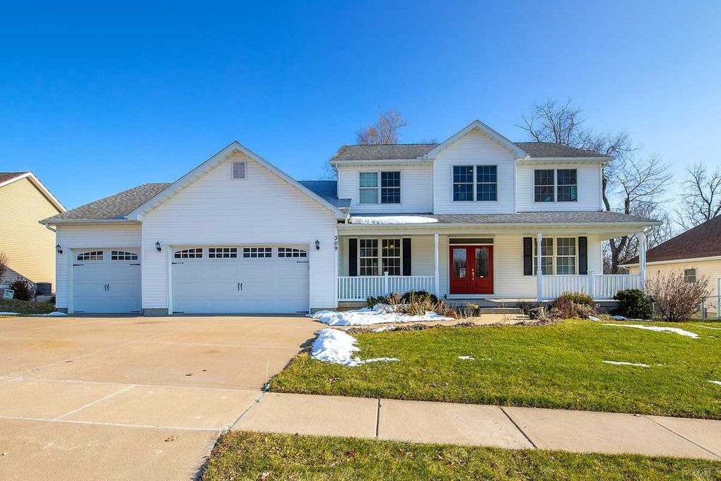 309 N 8th St, Le Claire, IA 52753