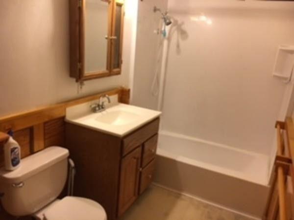 Bathroom Fixtures Worcester Ma 7 rockwood ave, worcester, ma 01602 - realtor®