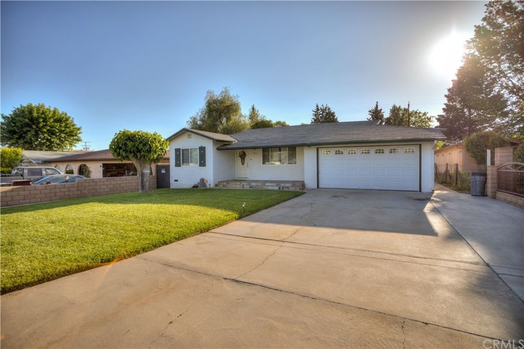 1255 Chestnut Ave Beaumont, CA 92223
