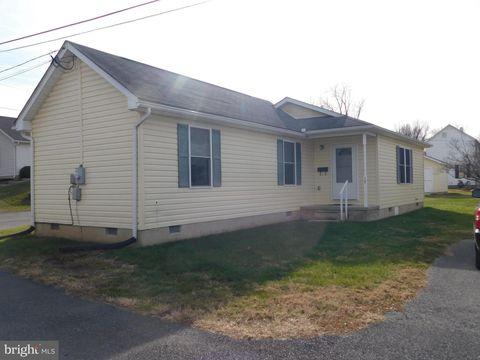 Photo of 17 Virginia Ave, Berryville, VA 22611