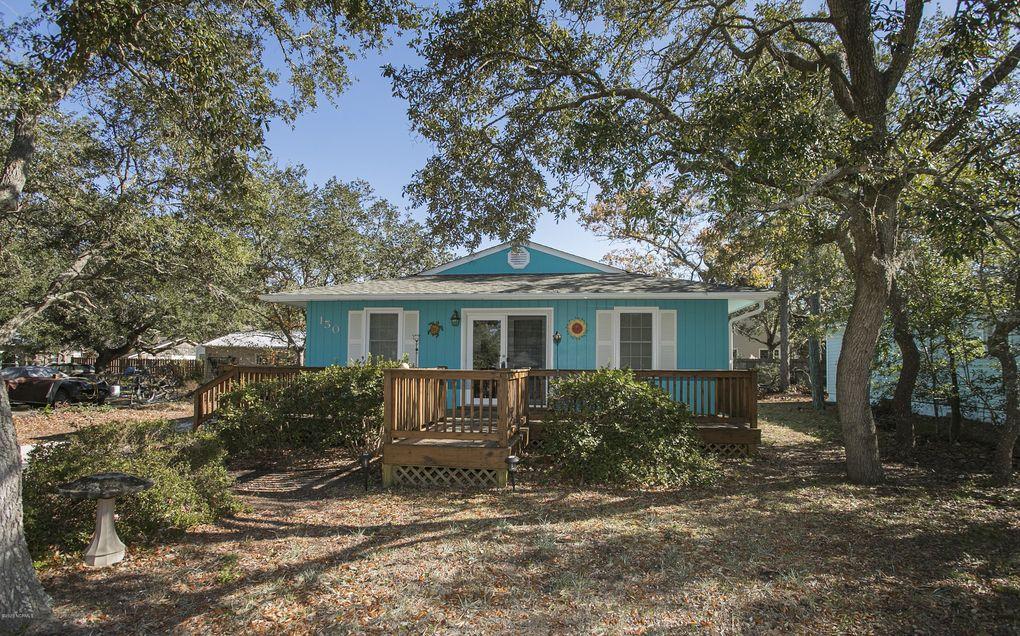 150 NW 8th St Oak Island Wooded, NC 28465