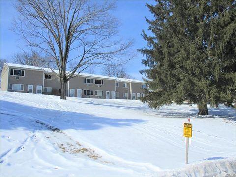 Photo of 11 Fishkill Glen Dr Unit F, Fishkill, NY 12524