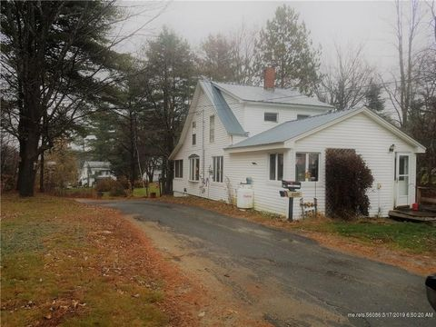 Photo of 10 Greenleaf St, Wilton, ME 04294
