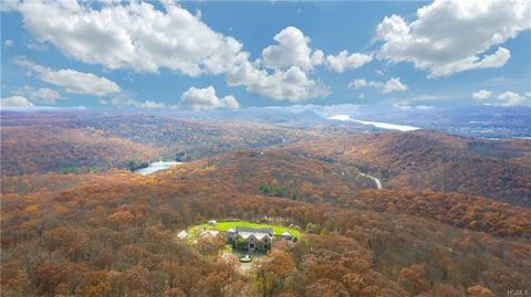 Photo of 101 Round Hill Rd, Cold Spring, NY 10516