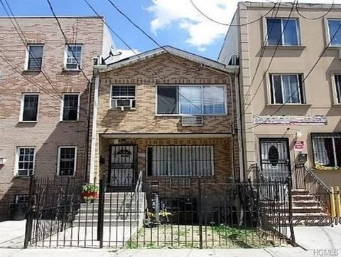 Photo of 1320 College Ave, Bronx, NY 10456