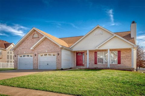 Photo of 1904 Emerald Green Dr, Wentzville, MO 63385