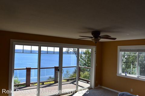 Photo of 10127 Ne Shore Dr, Indianola, WA 98342