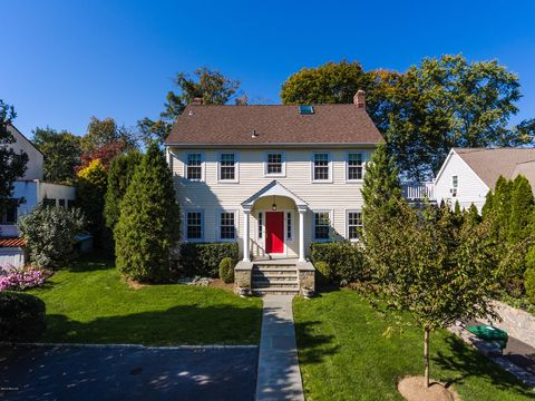 Photo of 9 Shore Rd, Old Greenwich, CT 06870