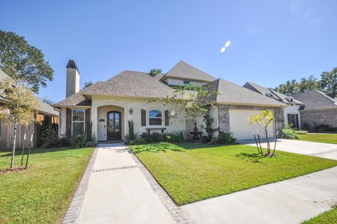 1413 e bayou pkwy lafayette la 70508 home for sale for Executive house lafayette la