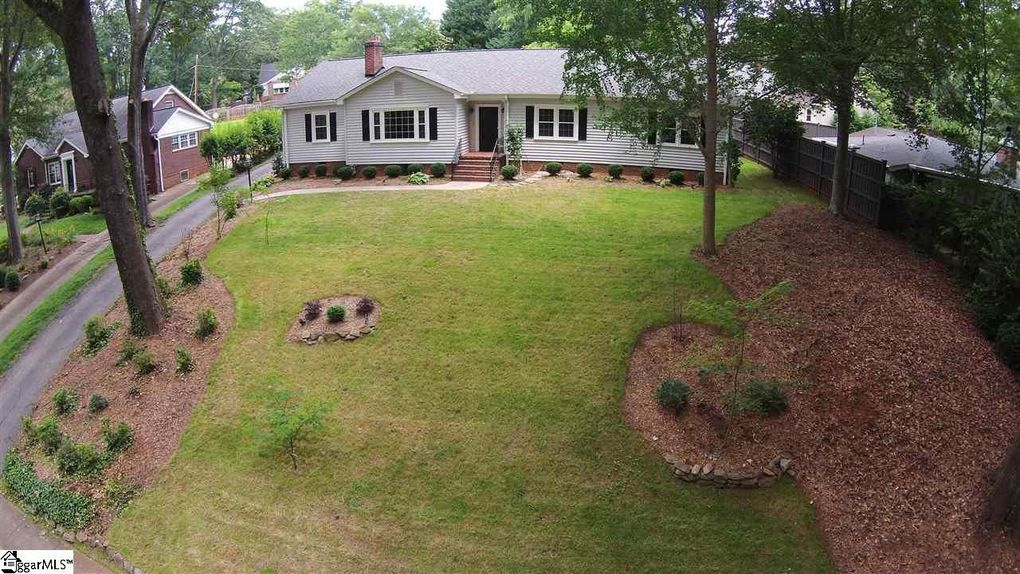 14 Parkside Dr Greenville SC 29609