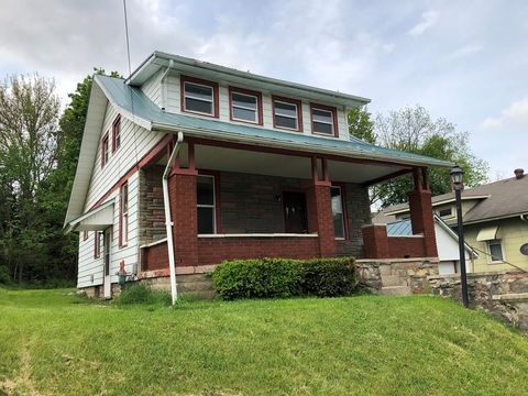 322 River St, Bucyrus, OH 44820