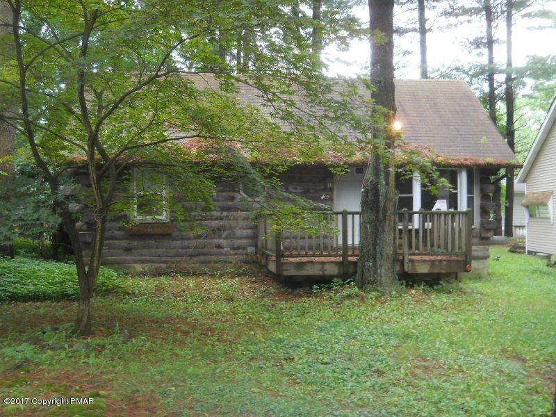 367 Campstead Cir, Pocono Lake, PA 18347