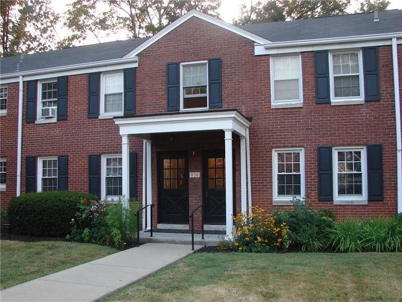836 Thorn St Apt 25, Sewickley, PA 15143