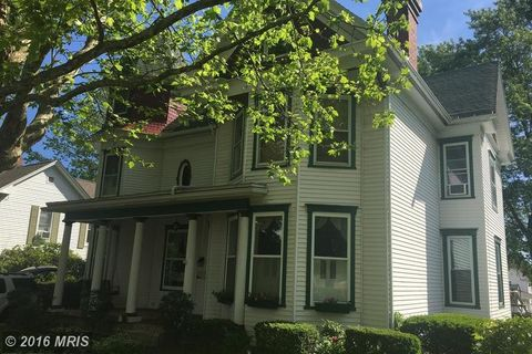 30 Frost Ave, Frostburg, MD 21532
