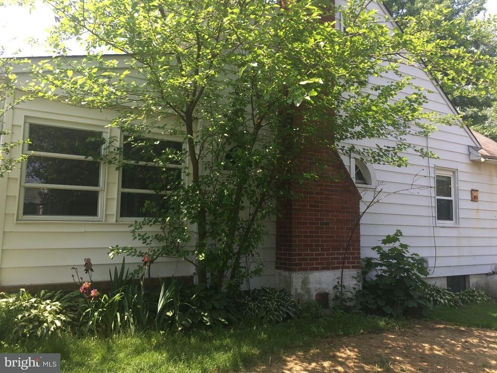 415 Pine St, Florence, NJ 08518  For Adults Tree House Plans on