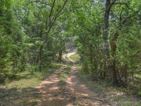 County Road 221, Kempner, TX 78549