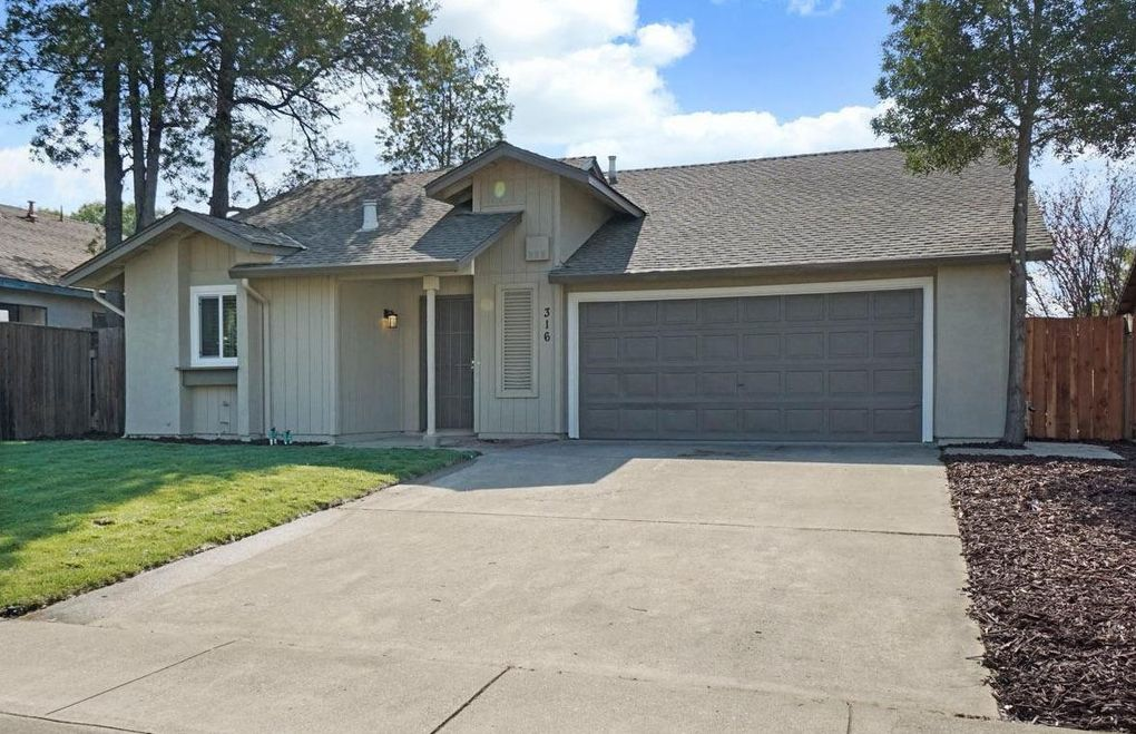316 Berkshire Ln Stockton, CA 95207