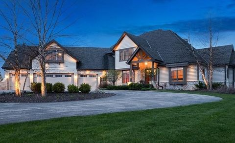 14165 N Pine Bluff Rd, Mequon, WI 53097