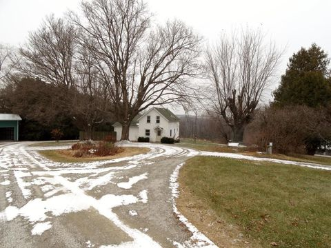 Photo of 16850 Heritage Rd, Spring Grove, MN 55974