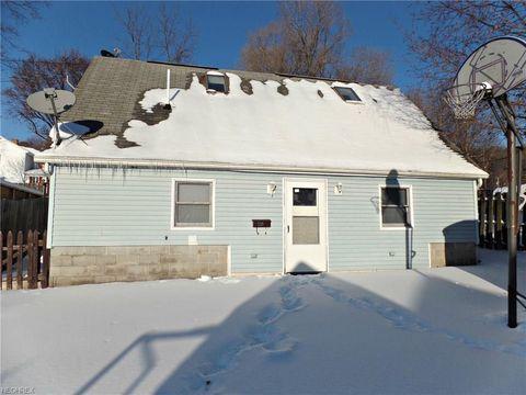 237 Watson St, Lowellville, OH 44436