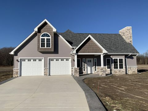 Photo of 506 Briarberry Ln, Quincy, MI 49082