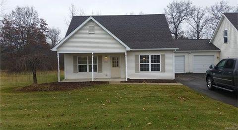 794 Cattail Ln, Putnam Township, MI 48169