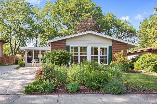 220 Indiana St, Park Forest, IL 60466
