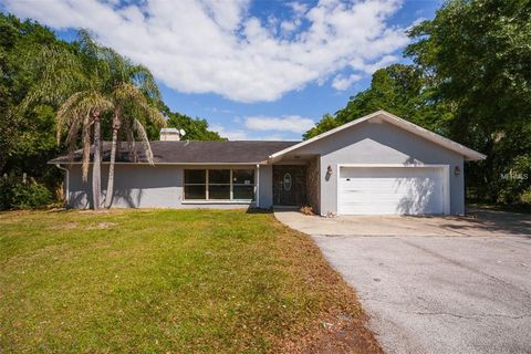 Clearwater Fl Houses For Sale With 2 Car Garage Realtor Com