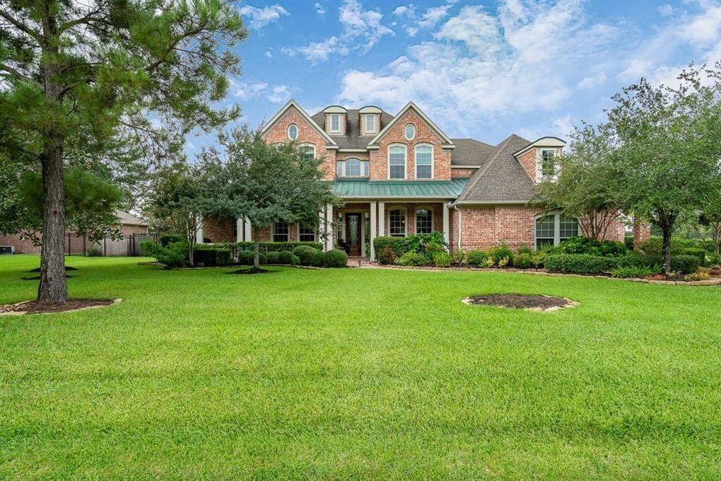 38 Compton Manor Dr, Spring, TX 77379