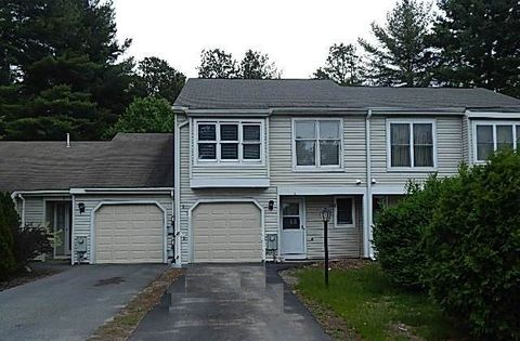 5 Old Mill Ln, Queensbury, NY 12804