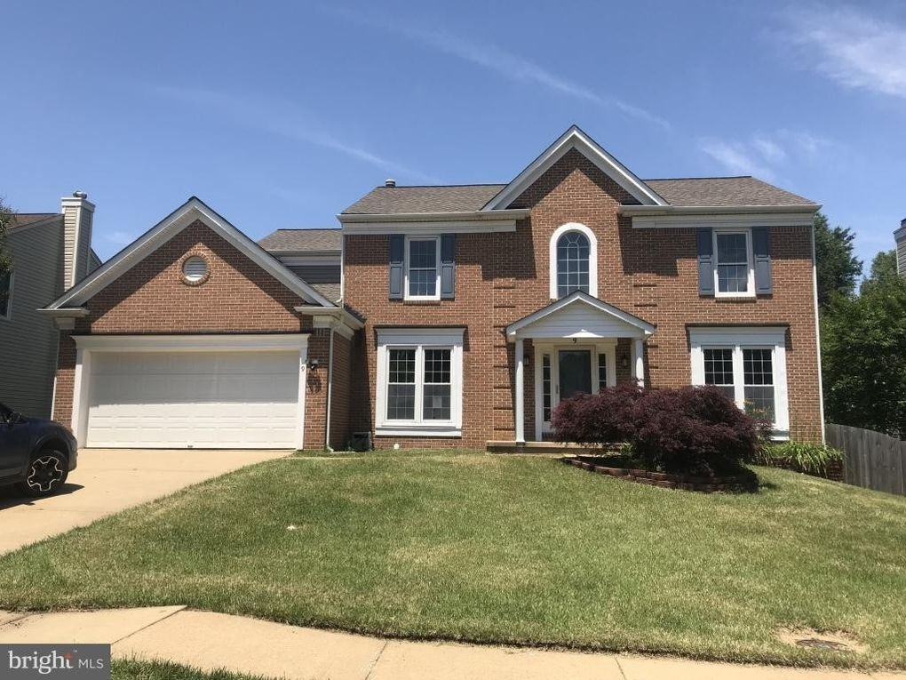 9 Leamington Rd Fredericksburg, VA 22406