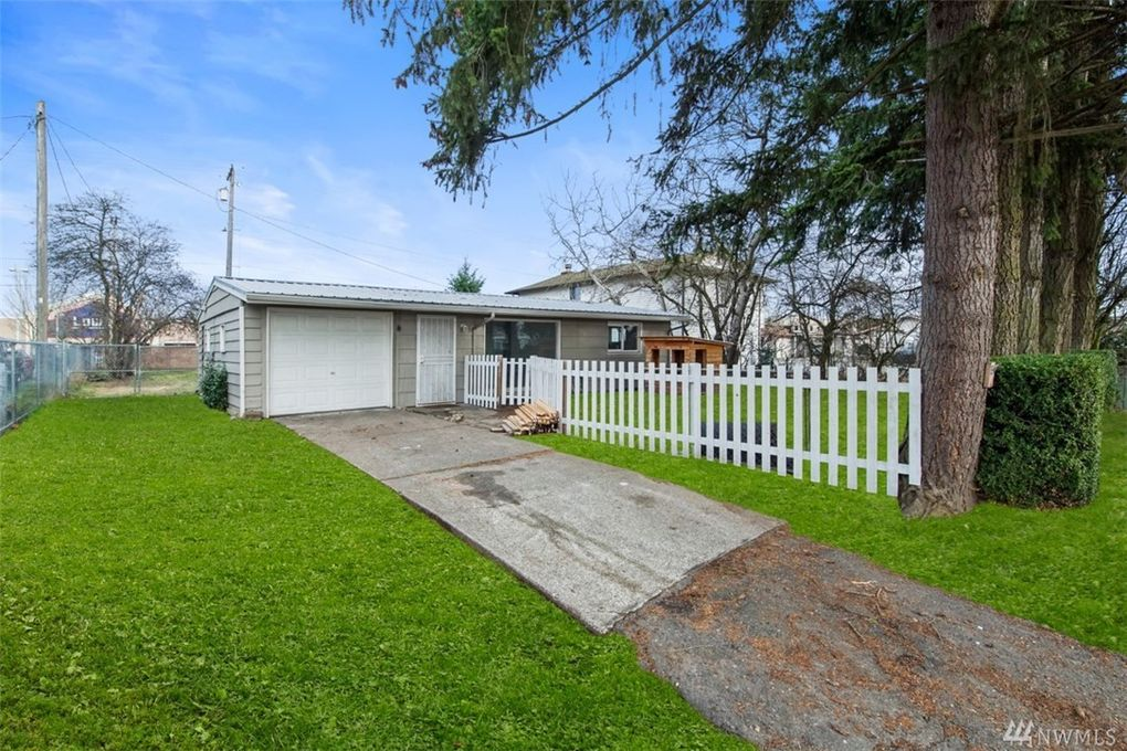 5015 101st St Sw, Lakewood, WA 98499