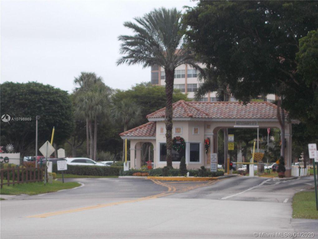 1000 Saint Charles Pl Apt 409 Pembroke Pines, FL 33026