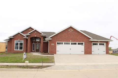 Photo of 2242 Fawn View Dr, Asbury, IA 52002