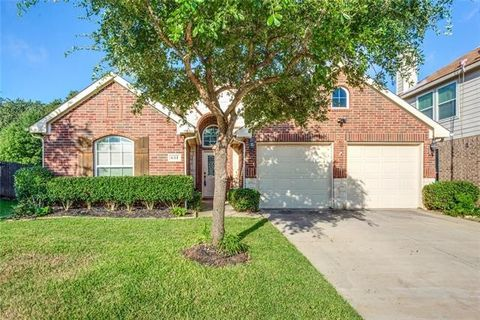 611 Grayson Ln, Lake Dallas, TX 75065