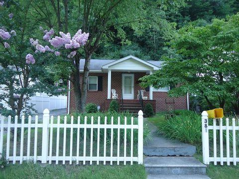 381 Stewart St, Welch, WV 24801