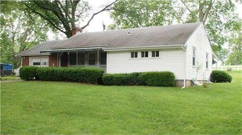 113 Woodland Rd, Lansing, KS 66043
