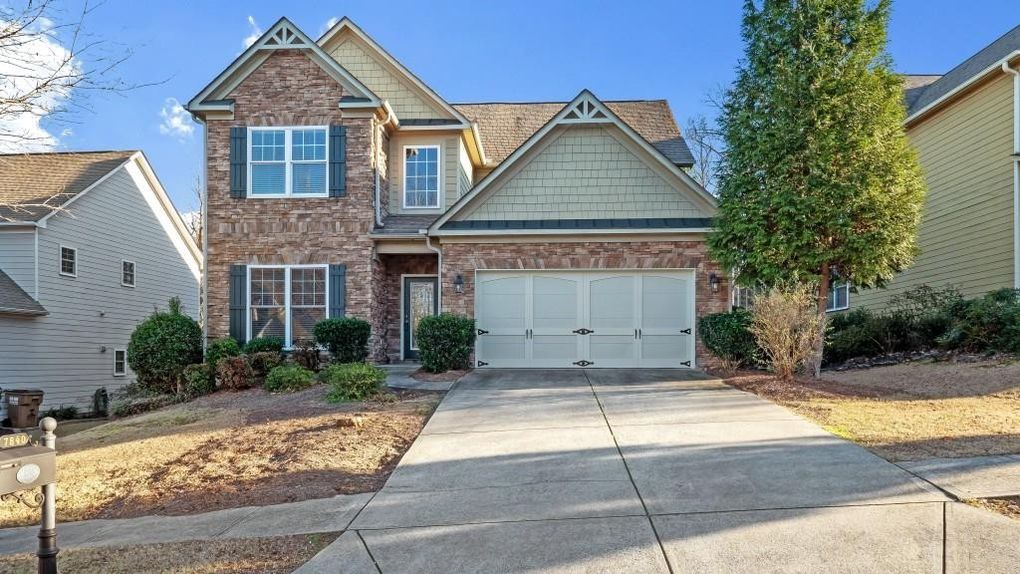 7840 Keepsake Ln, Flowery Branch, GA 30542