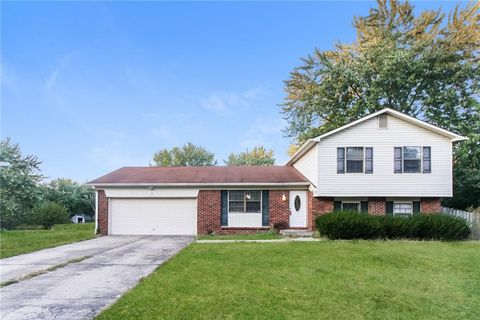 Photo of 808 Moss Oak Ct, Indianapolis, IN 46217