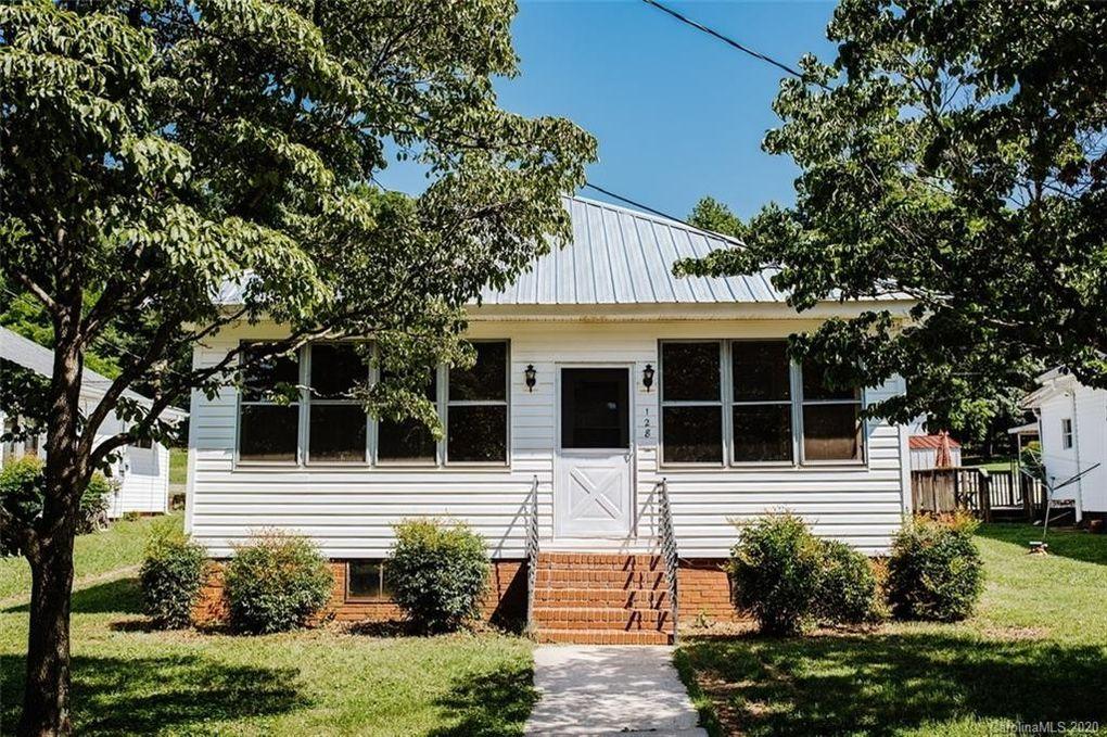 128 Pine St Badin, NC 28009