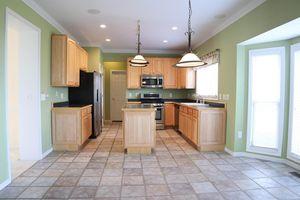 6561 Pleasant Valley Ct, Miami Township, OH 45140 - Kitchen
